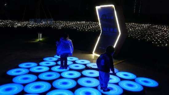 地面灯光互动